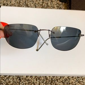 Extremely lightweight Maui Jim sunglasses